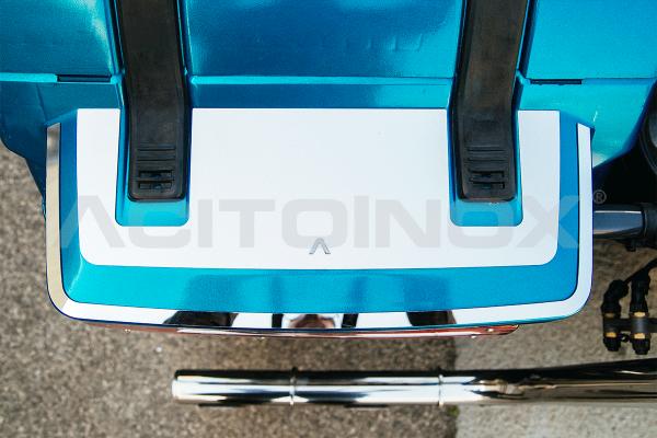 Embellecedor cubre piloto trasero acero inoxidable Volvo Fh 4