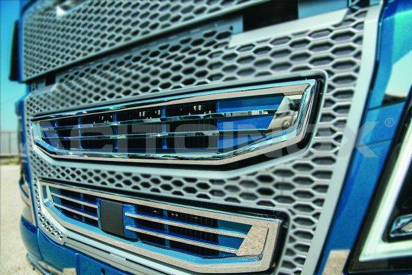 Embellecedor calandra Volvo Fh 4 acero inoxidable
